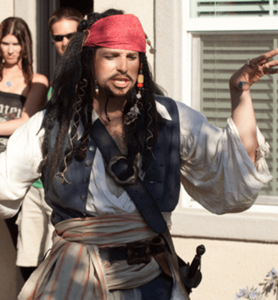 rent-a-character-for-a-birthday-party-pirate-jack-sparrow
